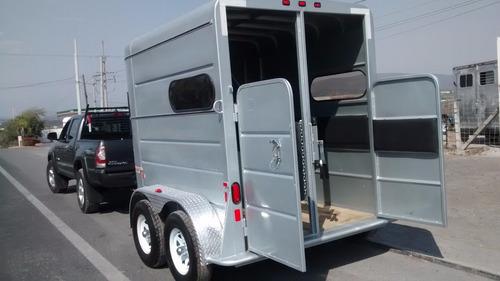 remolque 2 caballos con salpicaderas de aluminio y acojinado