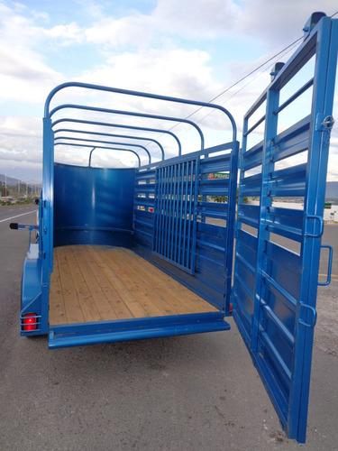 remolque 4 caballos,ganadero,becerros,toros,doble eje,3 tons