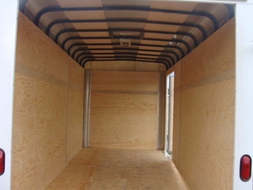 remolque caja seca 6000 kilos nuevo con serie,