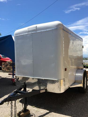 remolque caja seca, de aluminio,ligero,practico y resistente