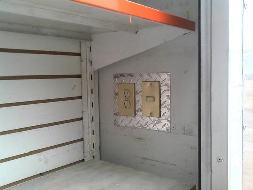 remolque cerrado con cortinas para tienda movil facturado