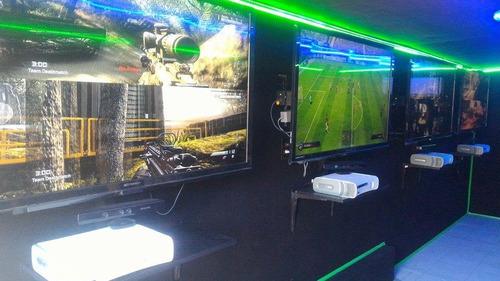 remolque cerrado de videojuegos / camión de video juegos