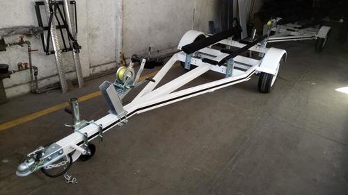 remolque nuevo para un jet ski