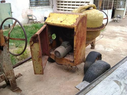 remolque tipo zorra y mezcladora con motor electrico
