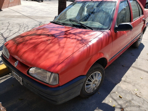 renault 19  1.9 red 2000 chocado con faltantes