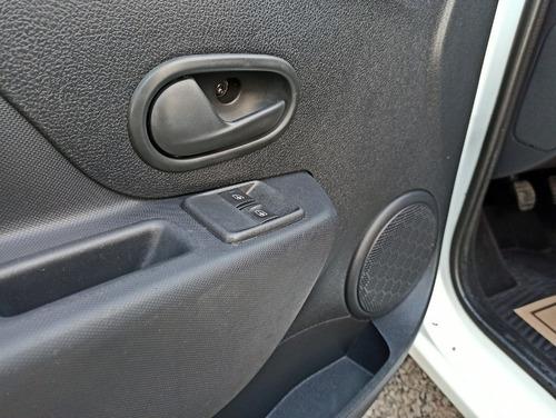renault auto sandero
