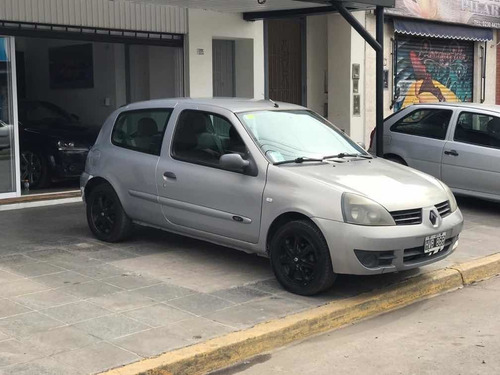 renault clio 1.2 authentique 2009
