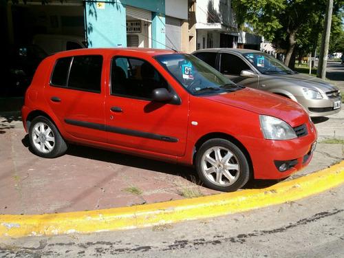 renault clio  1,6 5 puertas infinit full 2 air bag 2007 rojo