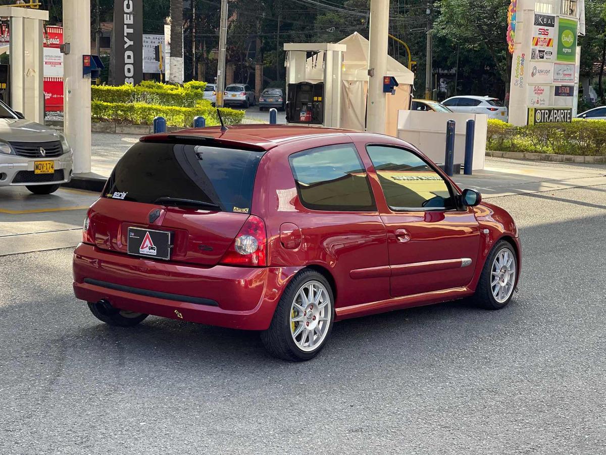 Renault Clio 2004 2 0 Sport 31 500 000 En Mercado Libre