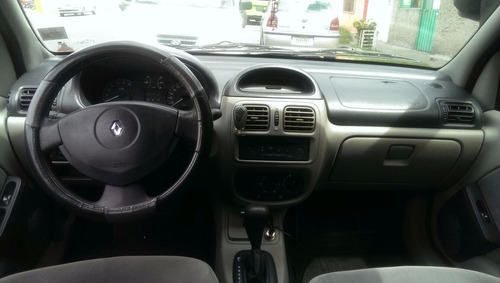 renault clio 2007 (enganche)
