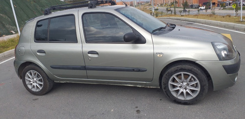 renault clio automóvil 2006