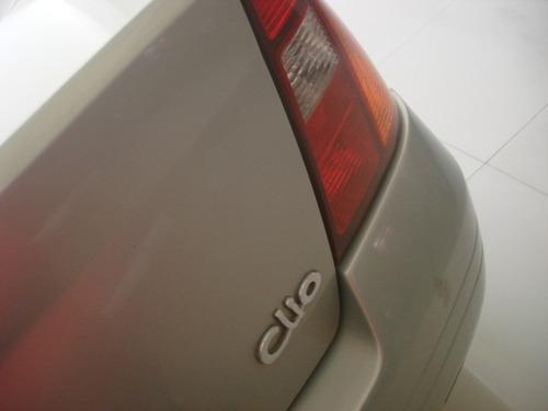 renault clio sedan 1.0 16v rt 4p completo 2002