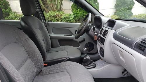 renault clio sedan authentique hi-flex 4p 2006