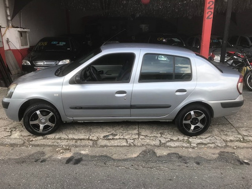 renault clio sedan carro moto