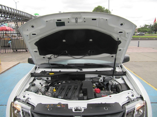 renault duster 1600cc mt aa
