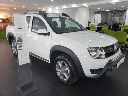 renault duster oroch 2.0 outsider plus tasa 0% tomo auto  jl