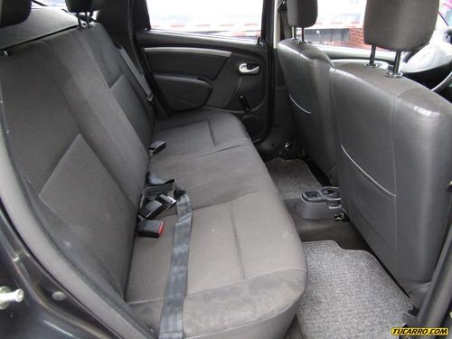 renault duster sedan