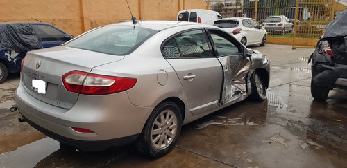 renault fluence chocado