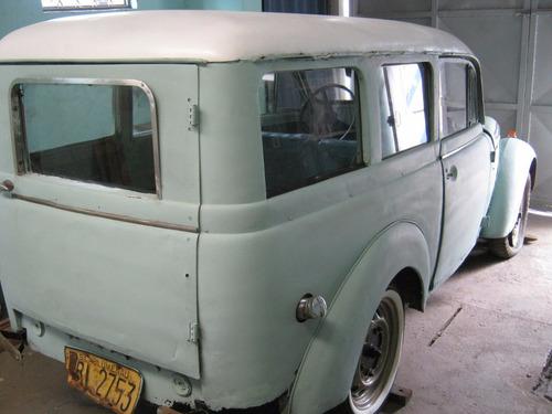 renault juvaquatre 1950 + caravan 1978