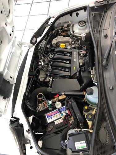 renault kangoo 1.6 2 furgon confort cd porton lateral gnc