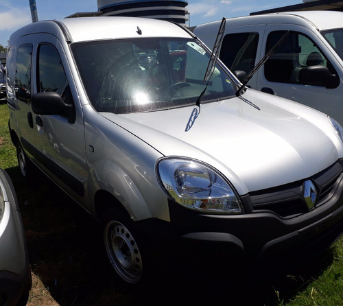 renault kangoo 1.6 confort 5 asientos $260000  car one