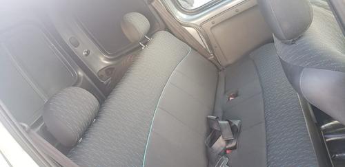 renault kangoo confort 1.6 5 asientos doble porton + gnc