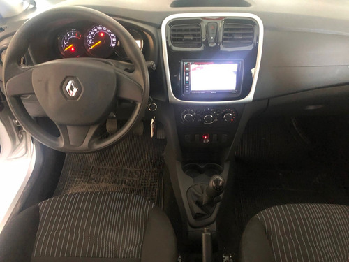 renault logan authentic sedan 1.600 cc. año 2017 - 43.000 km