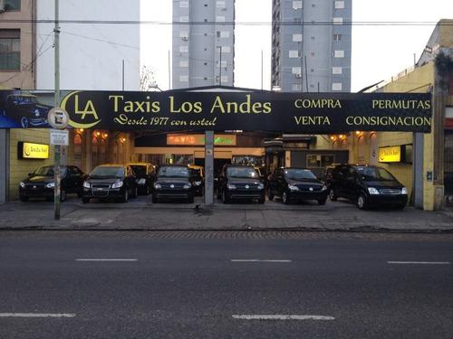 renault logan authentique $180.000 y cuotas taxis los andes