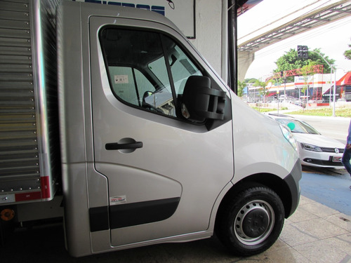 renault master chassi baú