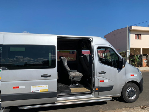 renault master executive longa.