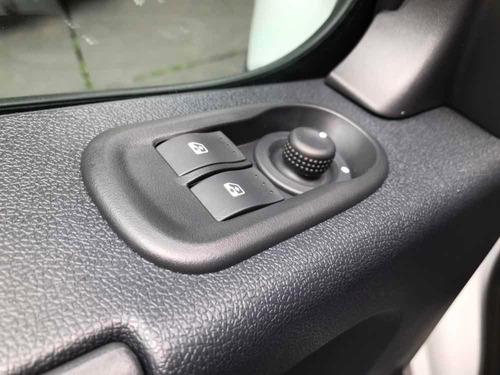 renault master furgão com ar condicionado