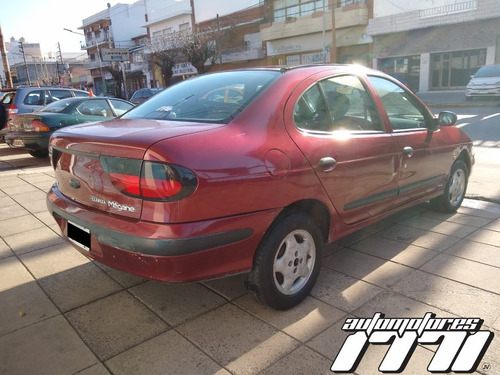 renault megane  1998 full buen estado general $200000