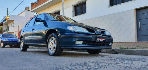 renault megane 1999 2.0 rxe $350000 impecable