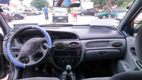 renault megane sedan 2.0 rxe 4p