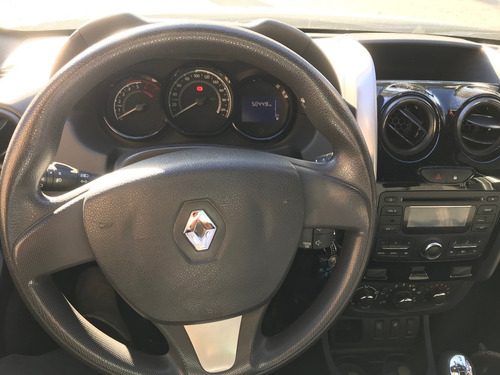renault oroch expression 1.6  2017