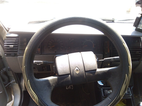 renault r 9 personality