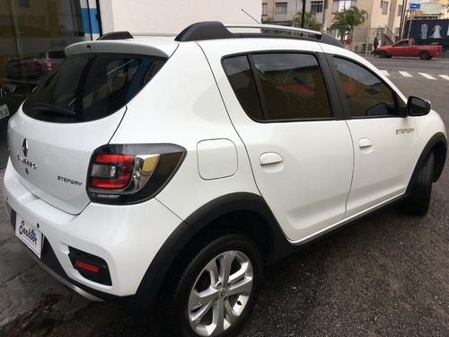 renault sandero stepway 1.6 8v  hi-power easy-r 5p