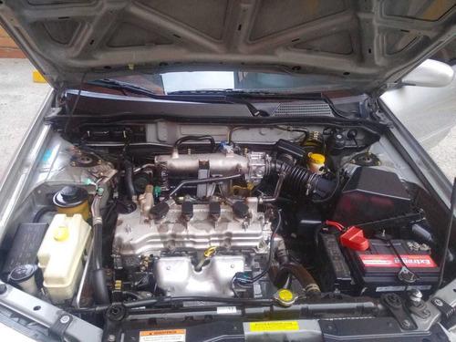 renault scala 1.6 sedan automatico