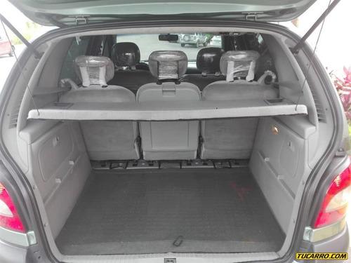 renault scénic sedan