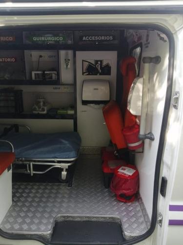 renault traffic ambulancia