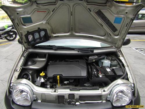 renault twingo access mt 1200cc 16v sa