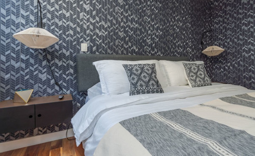 rent furnished apartment steps away from lincoln park 3bed, 2.5bat, 2ter