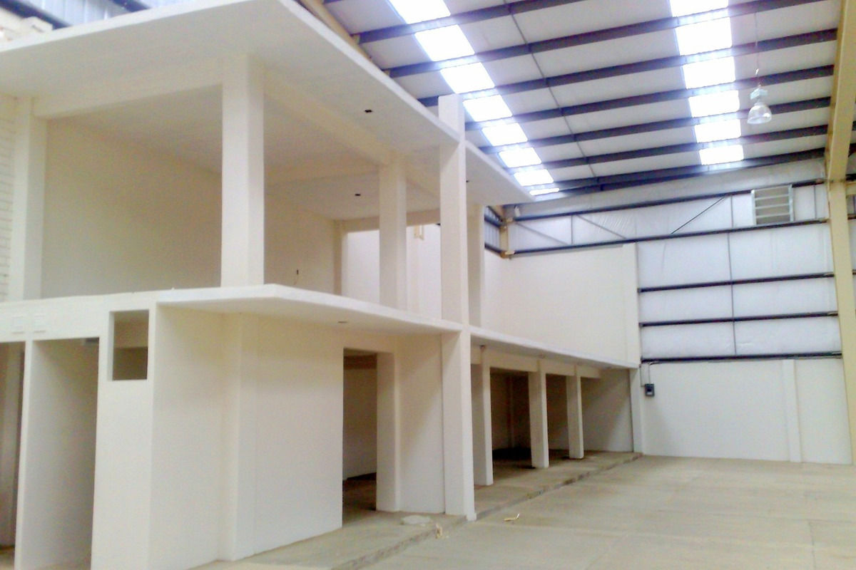 renta bodega 700 m2 con oficinas en la cd. de oaxaca