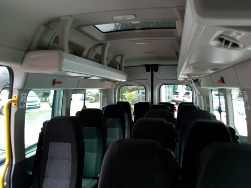 renta camioneta con chofer 17 pasajeros