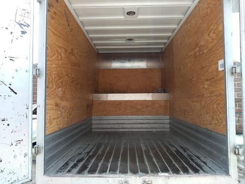 renta camioneta de carga económica