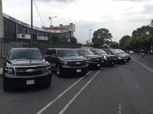 renta camionetas pasajeros suburban vans y autos con chofer