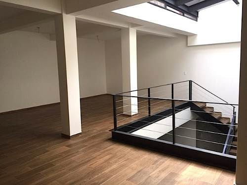 renta casa con uso de suelo para oficinas recién remodelada