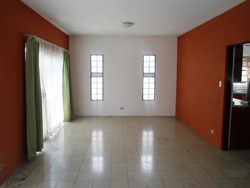 renta casa en zona 16