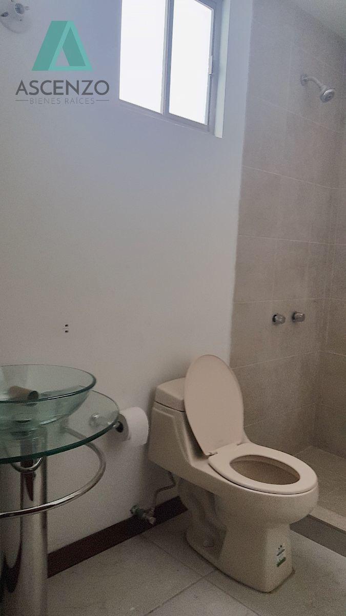 renta casa por canteras $17,000 cesher
