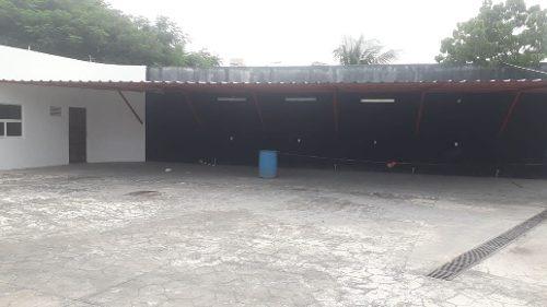 renta de 2 locales comerciales av huayacan cancún $50,000.00